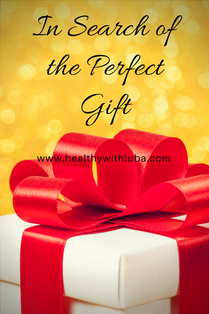In search of the perfect gift | www.healthywithluba.com | #shopping #giftgiving #skincare #aloe